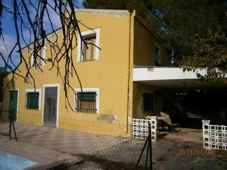 Landhaus mit kleiner Casita und Pool - Haus kaufen - Bild 1