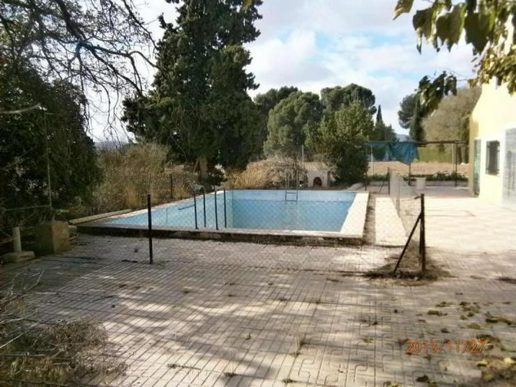 Bild 3: Landhaus mit kleiner Casita und Pool