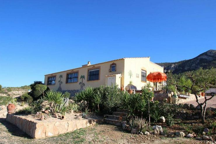 Casa de Campo mit zusätzlichem Grundstück und Höhlenhaus - Bild 1