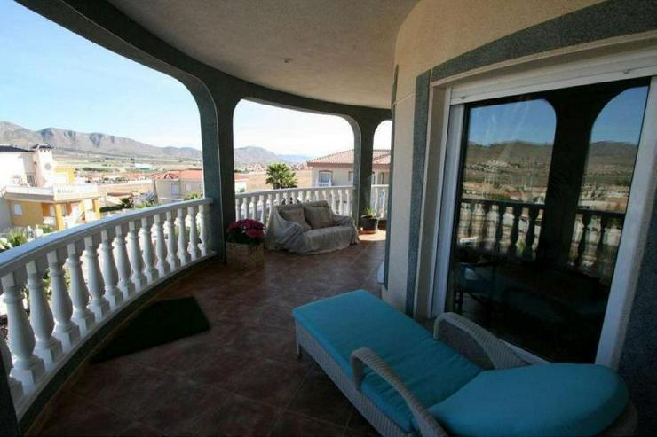 Bild 4: Villa mit 3 Wohneinheiten