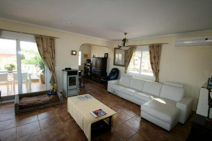 Bild 6: Villa mit 3 Wohneinheiten
