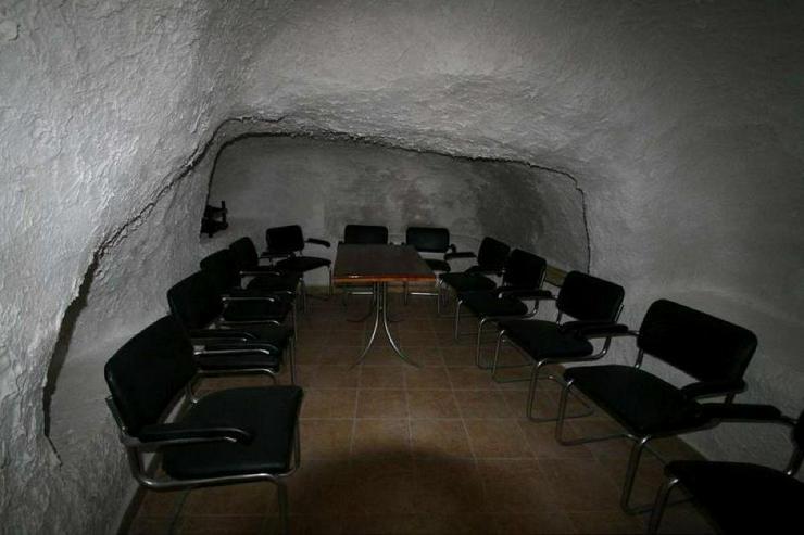 Bild 6: Höhlenwohnung