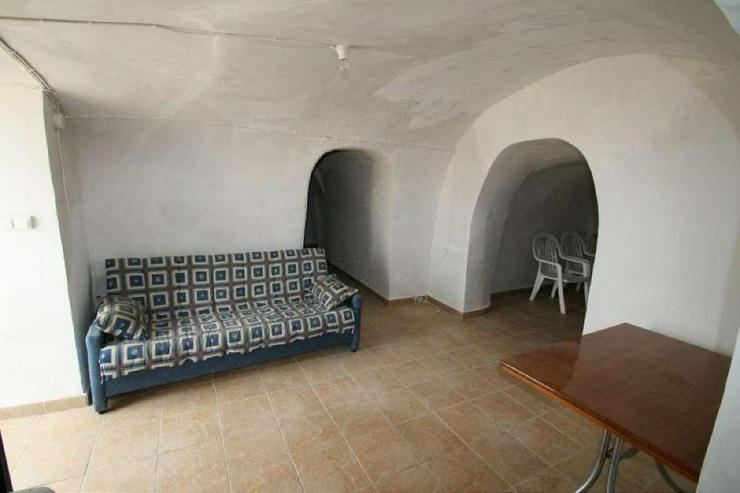 Bild 5: Höhlenwohnung