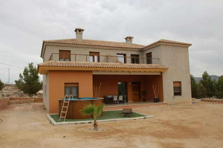 Modern und geräumig - Haus kaufen - Bild 1