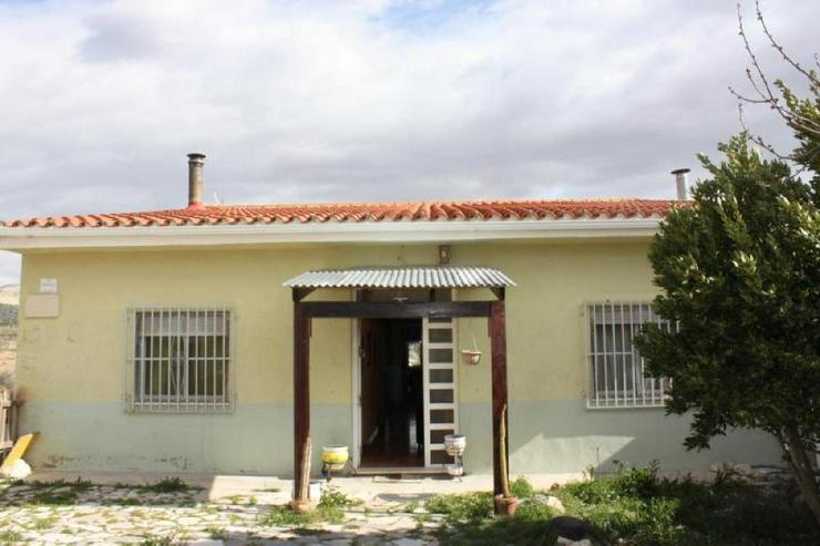 Hübsches Landhaus - Haus kaufen - Bild 1