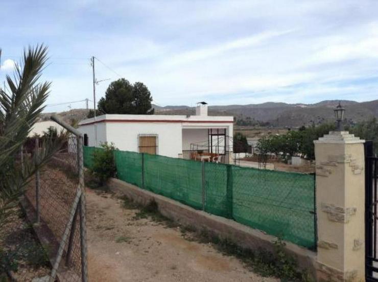 Diese Casa de Campo braucht etwas liebevolle Zuwendung - Haus kaufen - Bild 1