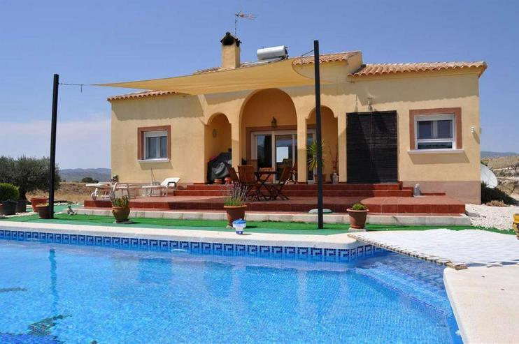 Schöne Finca mit Pool - Haus kaufen - Bild 1