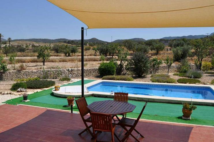 Bild 3: Schöne Finca mit Pool