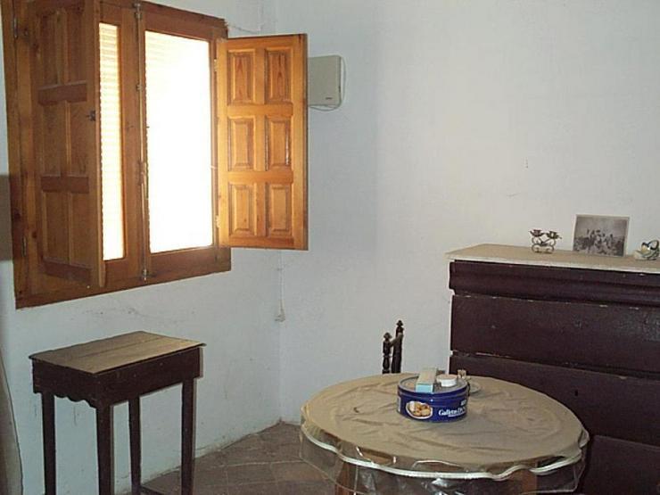 Bild 4: Ehemaliger Tabakhandel, jetzt Renovierungsprojekt