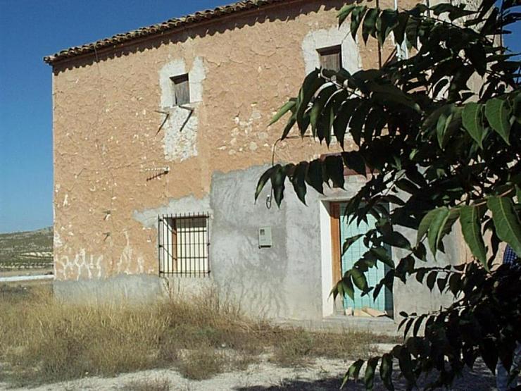 Ehemaliger Tabakhandel, jetzt Renovierungsprojekt - Haus kaufen - Bild 1