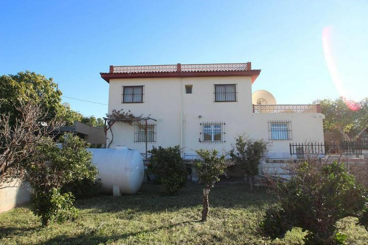 Bild 2: Landhaus + 2 Apartments