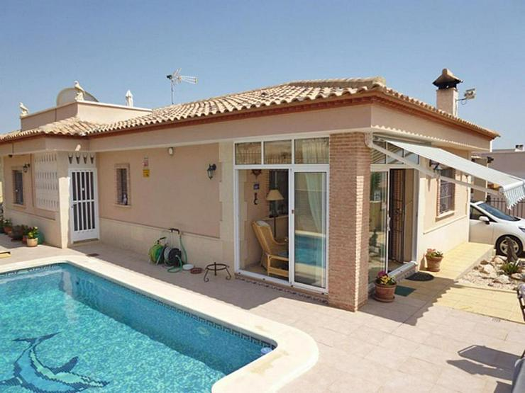 Bild 1: Gemütliche Villa mit Pool