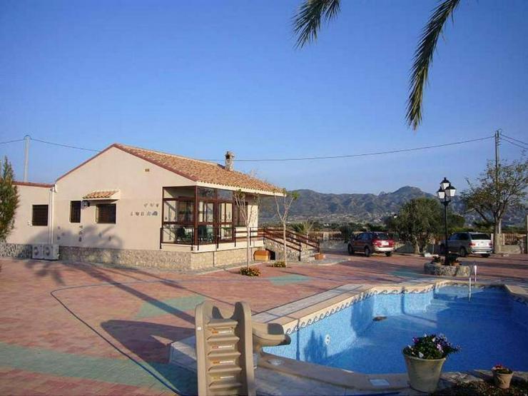 Spektakuläre Villa - Haus kaufen - Bild 1