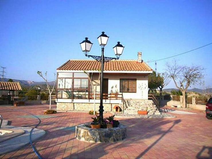 Bild 2: Spektakuläre Villa