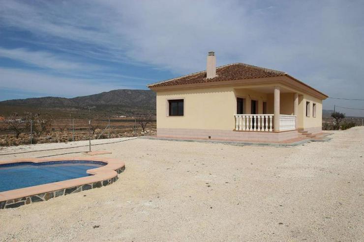 Erstbezug * Neue Villa in sehr ruhiger Lage - Haus kaufen - Bild 1