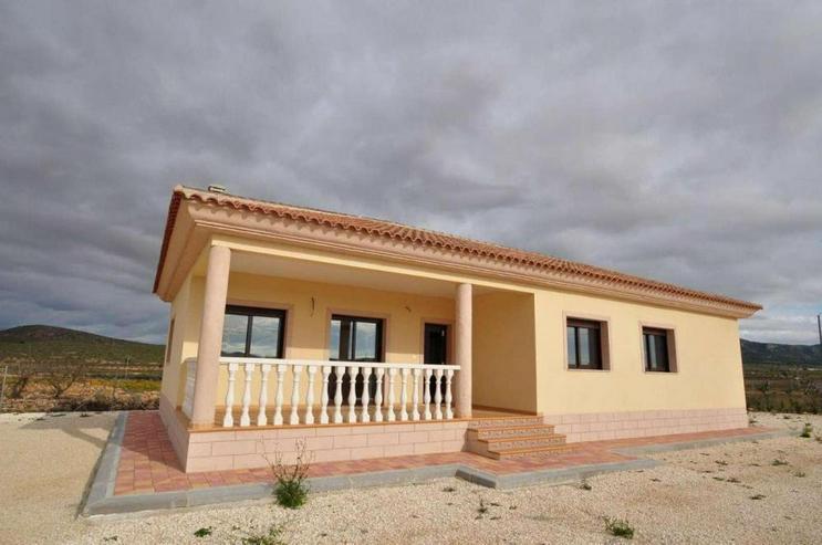 Bild 2: Erstbezug * Neue Villa in sehr ruhiger Lage