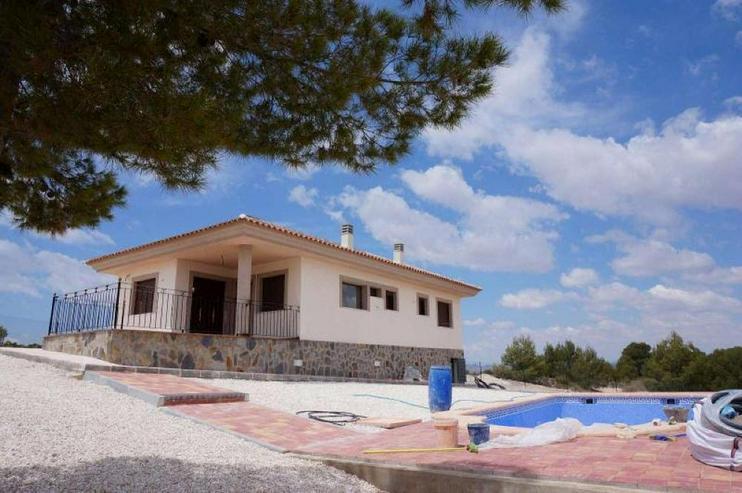 Bild 1: Lage, Lage und Lage machen dieses Haus einmalig