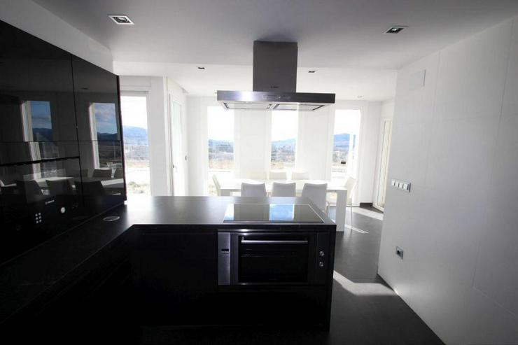 Bild 6: Luxus Villa