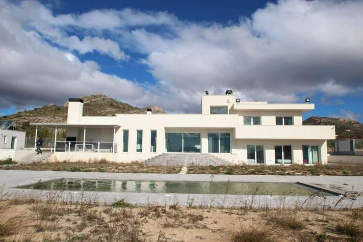 Luxus Villa - Haus kaufen - Bild 1