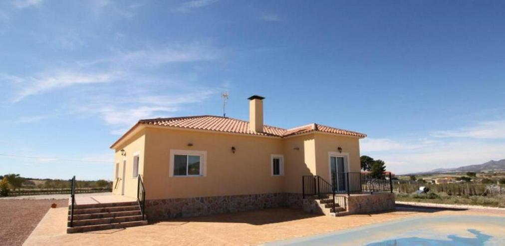 Musterhaus mit Pool - Haus kaufen - Bild 1