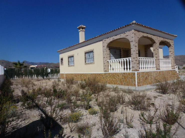 Bild 2: Brandneue Villa in ruhiger Lage
