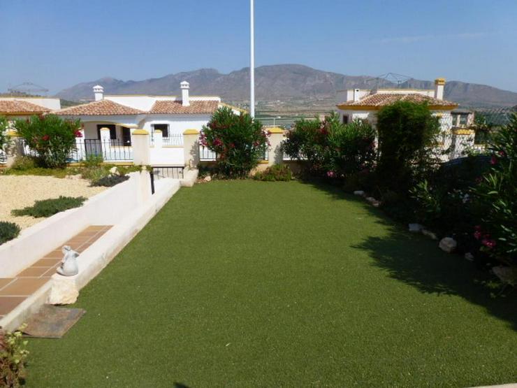 Bild 2: Schöne Villa