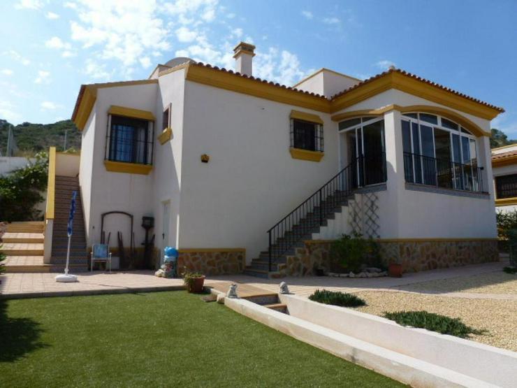 Schöne Villa - Haus kaufen - Bild 1