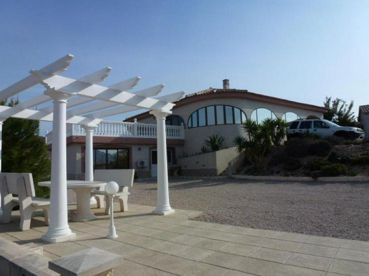 Bild 3: Umwerfende Villa mit Panoramablick