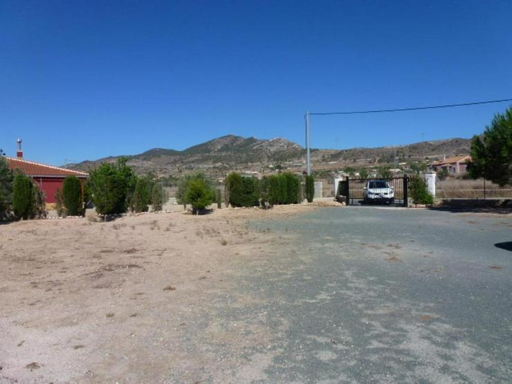 Bild 3: Landhaus mit herrlichem Ausblick