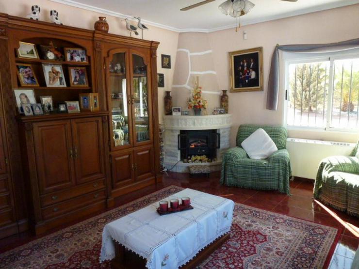 Bild 4: Wohnliches Landhaus