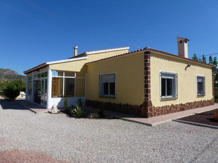Wohnliches Landhaus - Bild 1