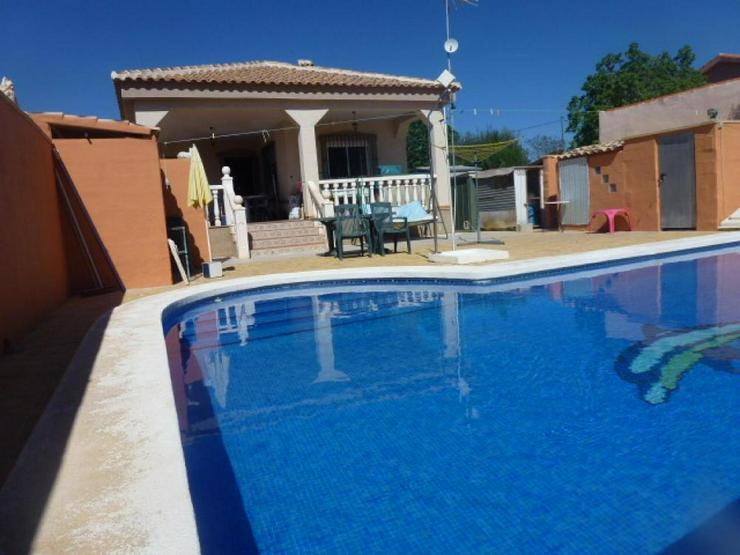 Bild 4: Charmantes Landhaus mit Pool