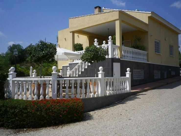 Gepflegte, große Villa - Haus kaufen - Bild 1