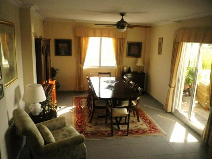 Bild 3: Gepflegte, große Villa