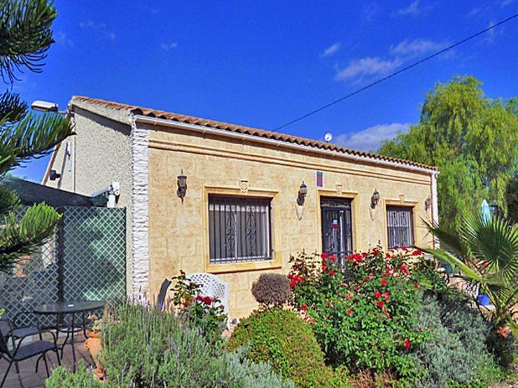 Charmantes Landhaus - Haus kaufen - Bild 1
