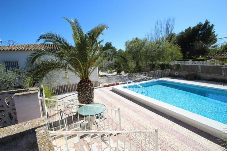 Bild 5: Ein Traum von einem Landhaus, natürlich mit Pool