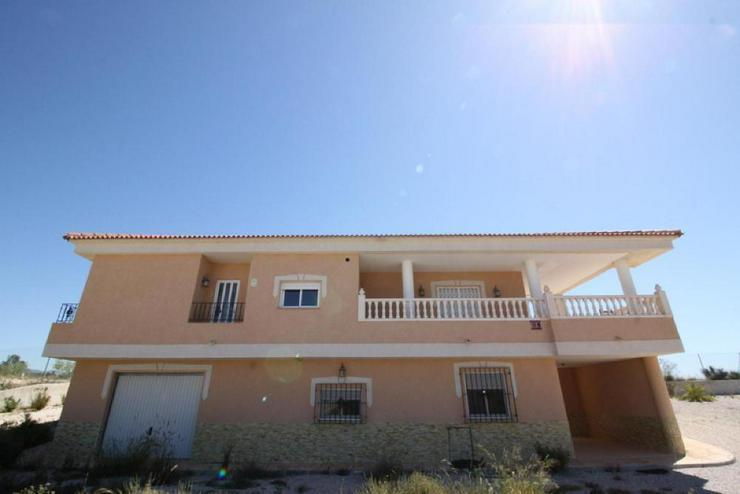 Super Villa - Haus kaufen - Bild 1