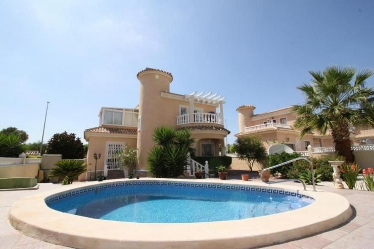 Charmante Villa - Haus kaufen - Bild 1