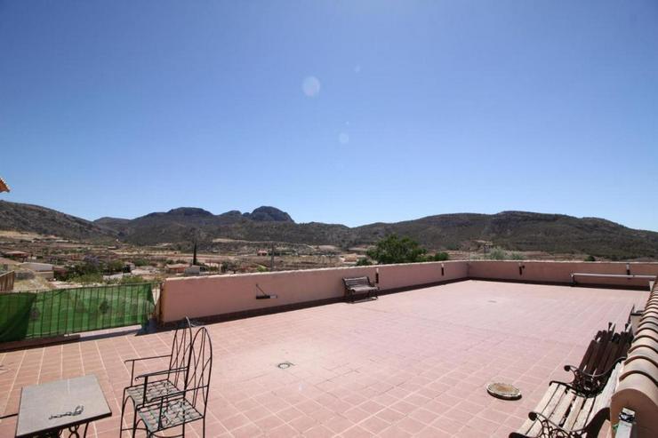 Bild 3: Spektakuläre Aussicht von dieser Dachterrasse