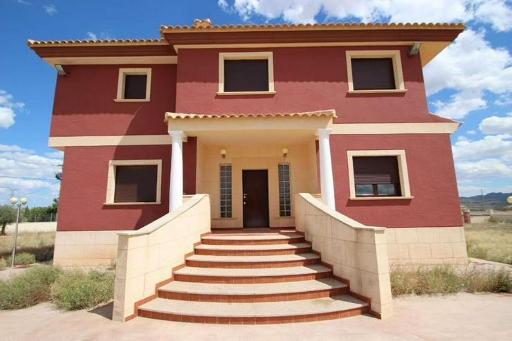 Bild 2: Neubau-Villa mit gehobener Ausstattung