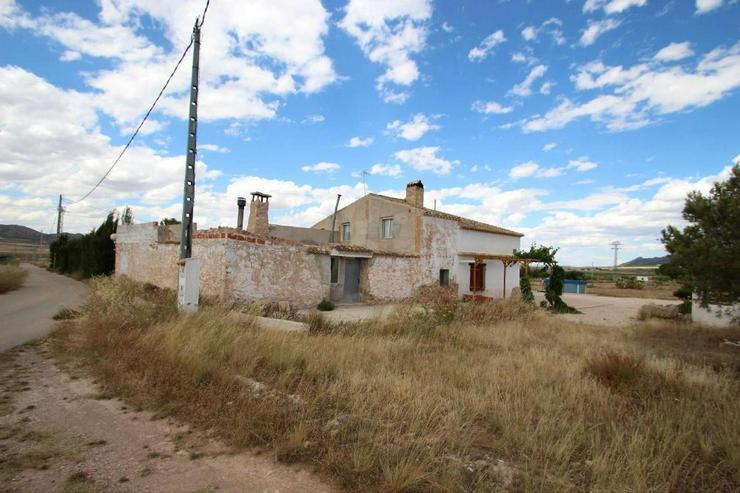 Typisch spanische Doppelhaushälfte - Haus kaufen - Bild 1
