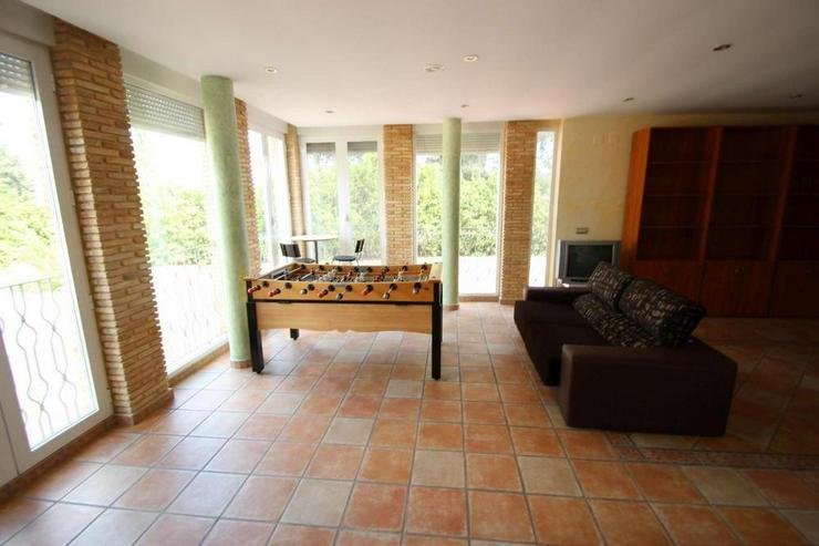 Bild 5: 2 Küchen, 6 Schlafzimmer, 4 Badezimmer, Platz für viele!