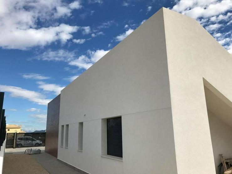 Bild 6: Neubau Villa