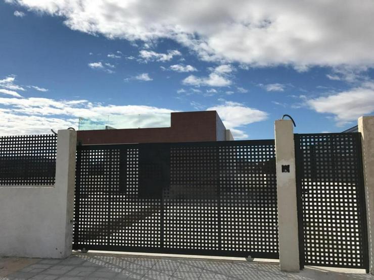 Bild 4: Neubau Villa