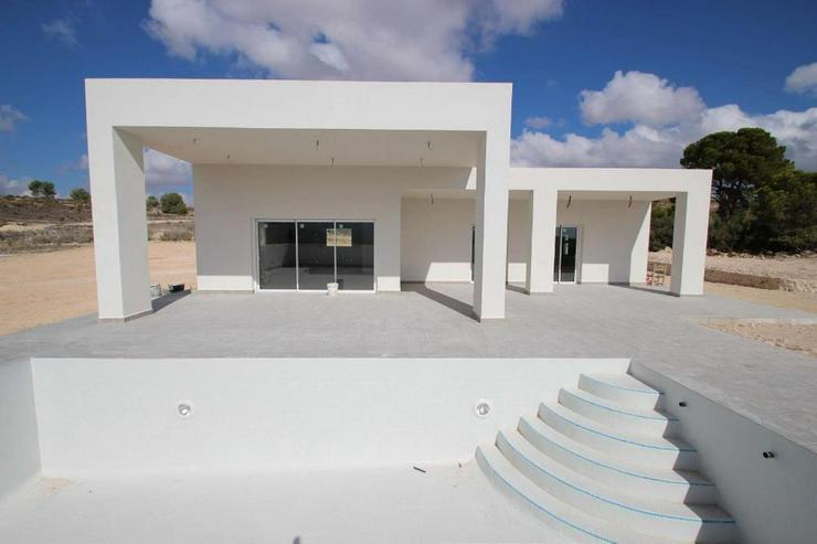 Bild 6: Neubau Villa * Bauplatz Auswahl*