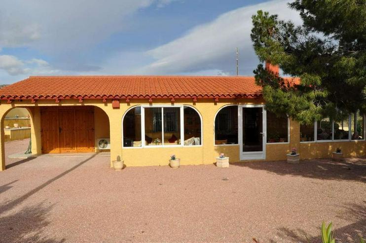 Bild 4: Landhaus mit Charme