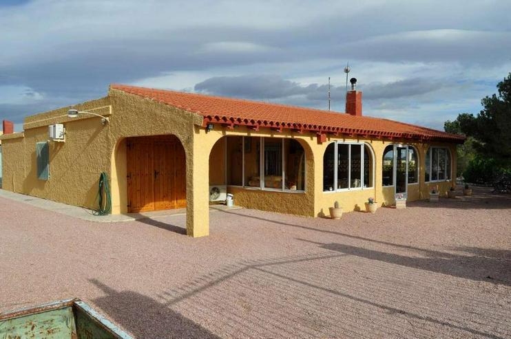 Landhaus mit Charme - Haus kaufen - Bild 1