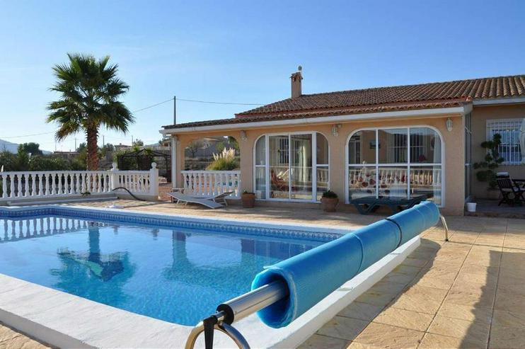Bild 1: Casa de Campo mit Pool