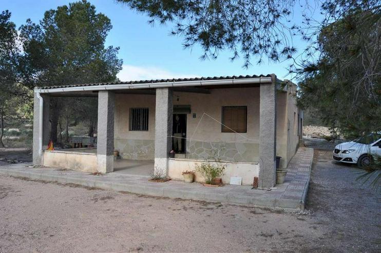 Campo Haus in ruhiger Lage, würde sich über Modernisierung freuen - Haus kaufen - Bild 1
