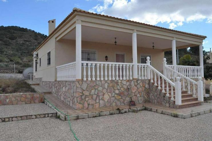 Bild 6: Landhaus